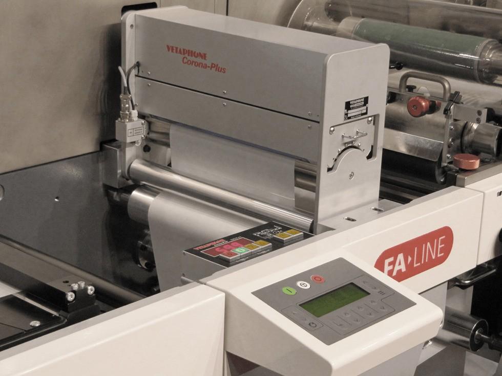 Устройство обработки коронным разрядом для производителей этикеток